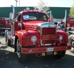 1961 Mack B61ST Tractor