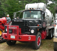1974 Mack DM600 mixer