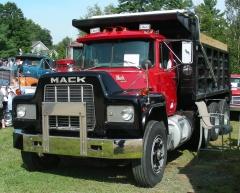 1989 Mack R686
