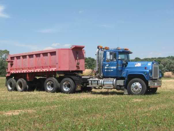 RS700L with dump trailer