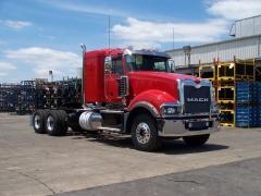 Titan sleeper tractor