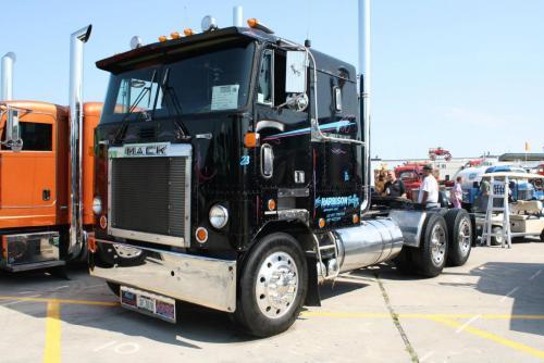 Mack Cruiseliner (WI Craigslist) - Trucks for Sale ...