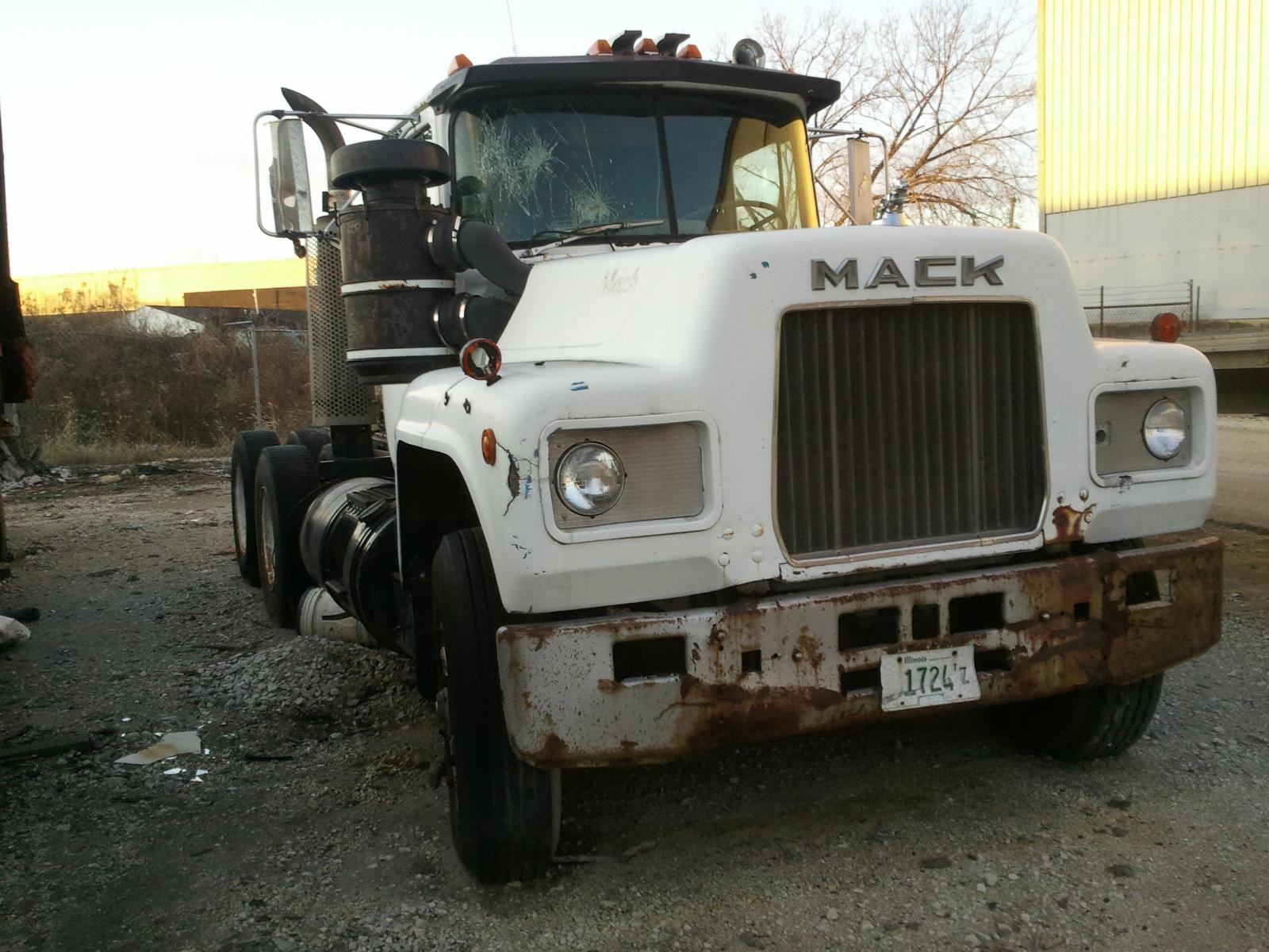 1973 Mack Tractor Truck : Mack r model parts for sale bigmacktrucks
