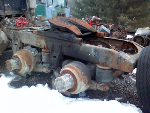 parting out 1985 autocar  anyone need parts? also 5x4 spicer