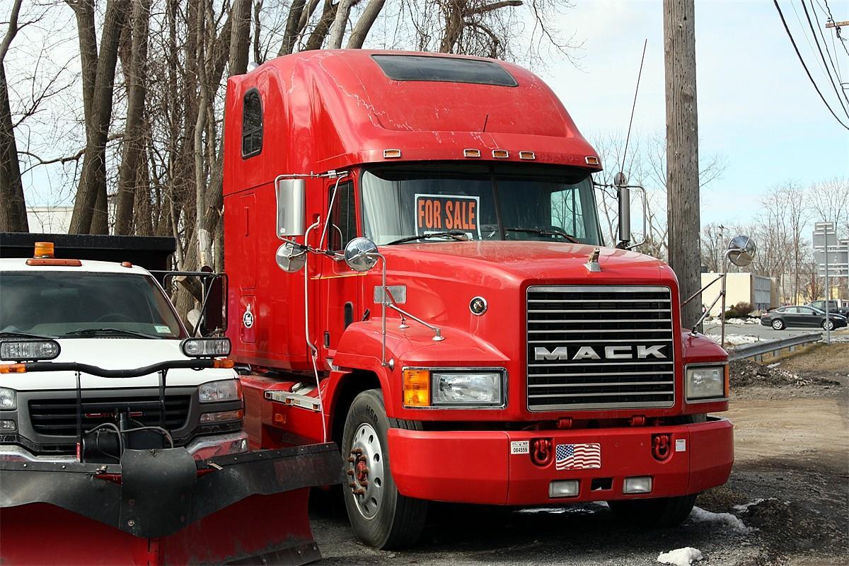 Mack Trucks For Sale >> 1997 Mack CH Sleeper - Trucks for Sale - BigMackTrucks.com