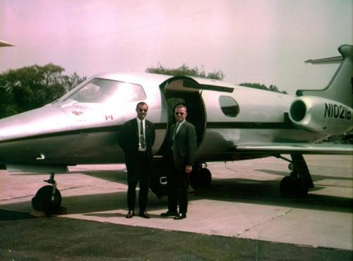 Bulldog Airlines IV, Learjet 23, N1021B.jpg