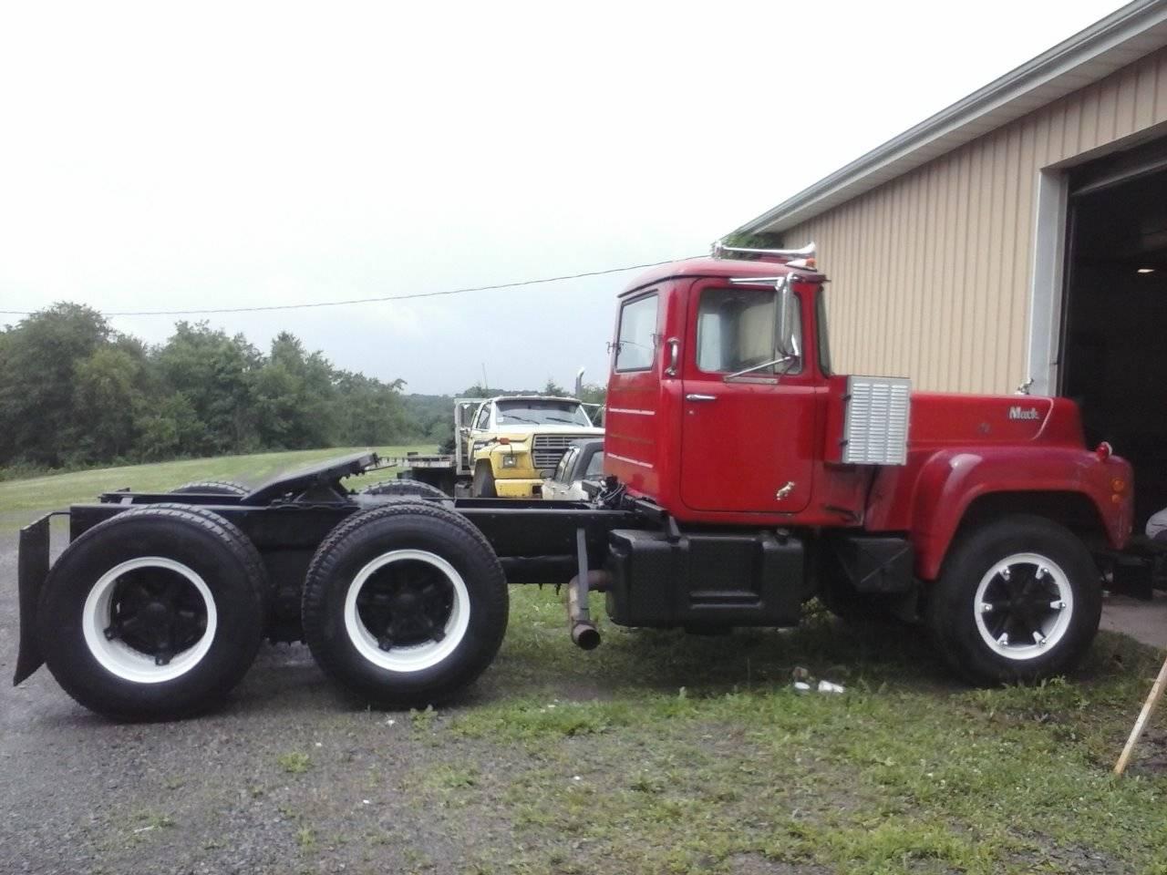 Trucks For Sale In Va >> 1972 Mack R700 V8, Ohio - Trucks for Sale - BigMackTrucks.com