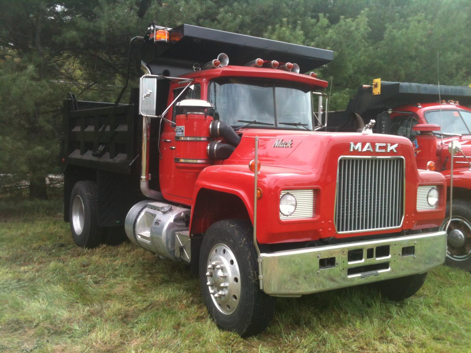 hampshire macks antique  classic mack trucks general discussion bigmacktruckscom
