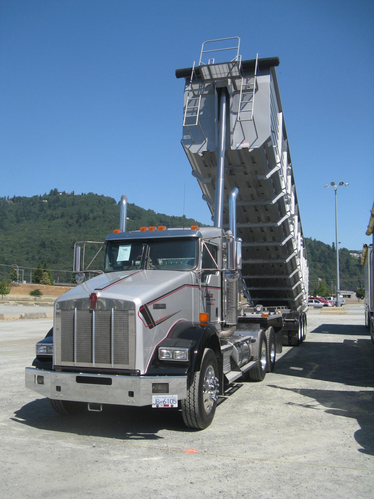 Big Ford Trucks >> Big Rig Truck Show, Chilliwack BC - Truck Shows and Events - BigMackTrucks.com