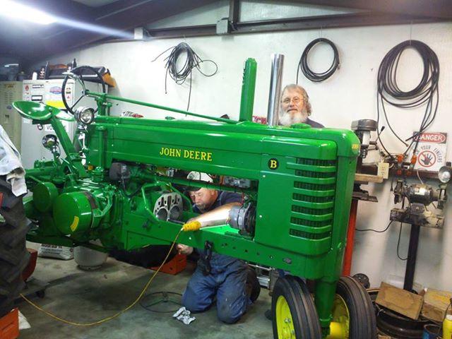 John Deere B Hood : Long hood john deere b tractors and equipment
