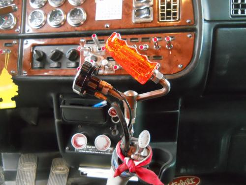 Steering wheel and shifter swap  Opinions? - Modern Mack Truck