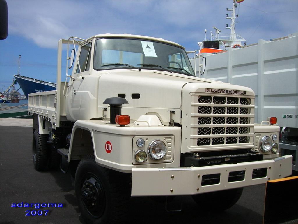 Nissan Diesel Truck >> Those all-wheel drive Nissan Diesel TZA520s - Other Truck ...
