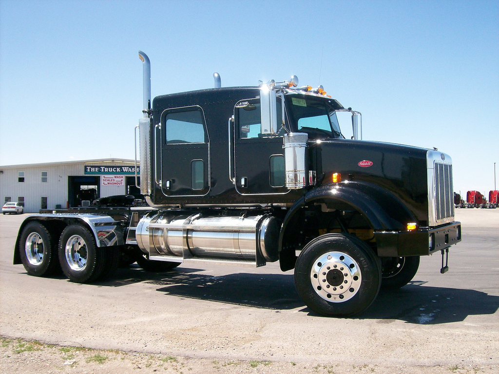 KW 4 door - Page 2 - Other Truck Makes - BigMackTrucks.com