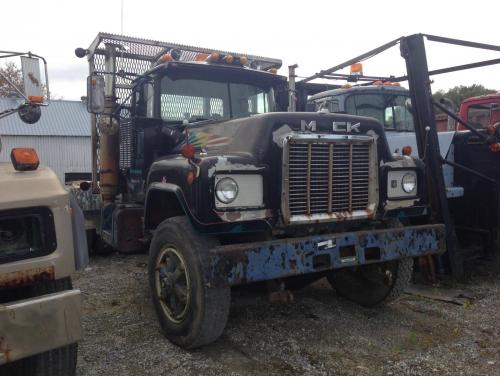 R700 With V8 Trucks For Sale Bigmacktrucks Com
