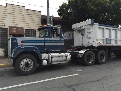 central pa big mack trucks antique and classic mack trucks general Classic Mack Trucks post 6773 40540600 1444536628 thumb jp
