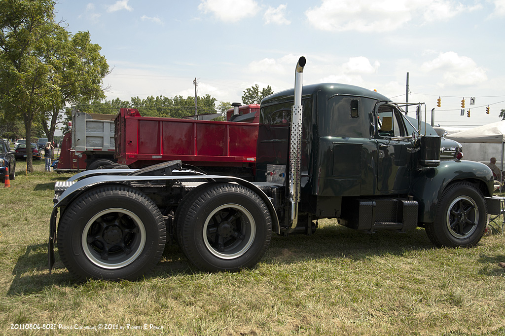 B models with intergal sleepers - Antique and Classic Mack Trucks General Discussion ...