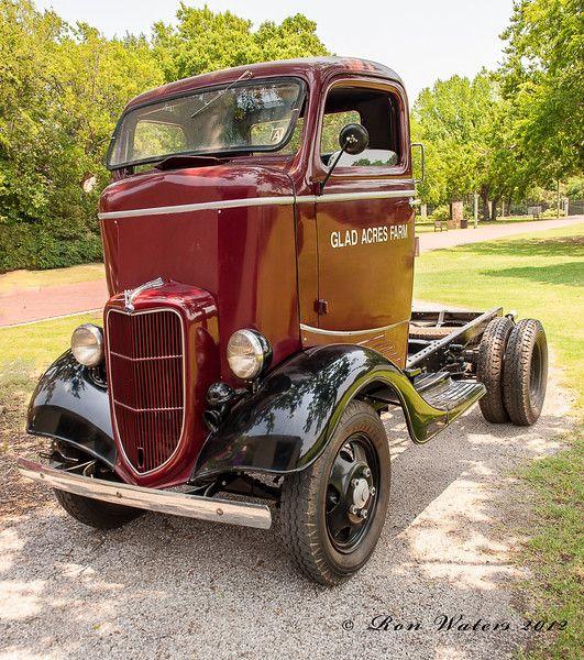 1935 ford coe.jpg