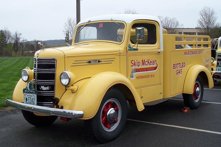 1942 Mack ED.JPG