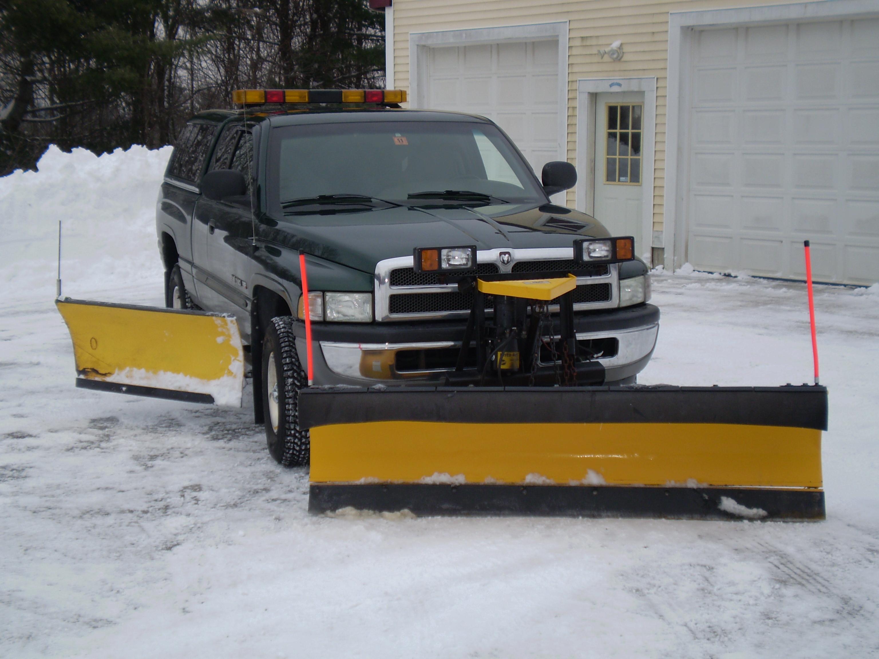 Tennessee DOT Mack GU713 Snow Plow Trucks - Modern Mack ...