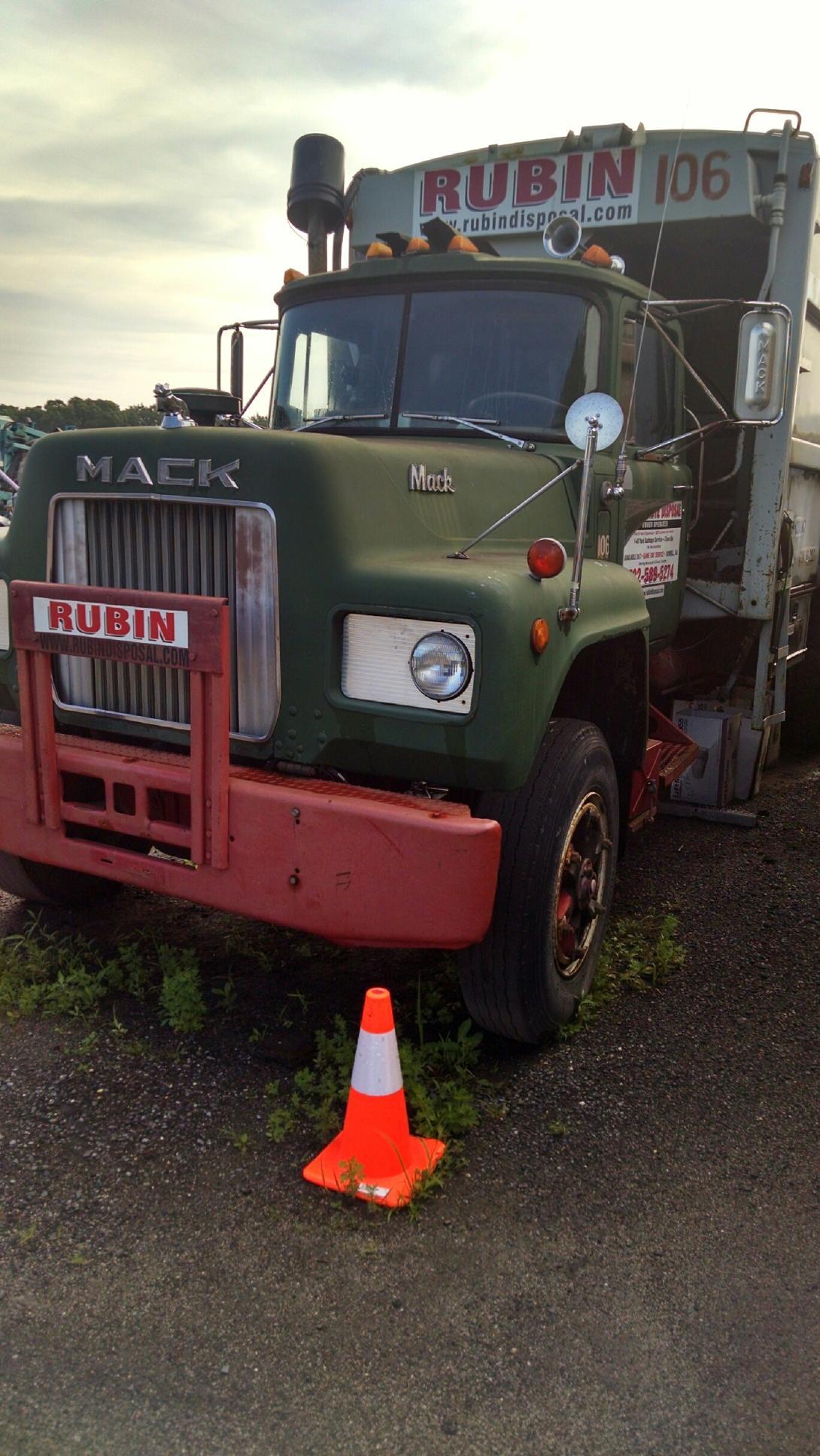 1976 mack r model garbage truck for sale trucks for sale. Black Bedroom Furniture Sets. Home Design Ideas