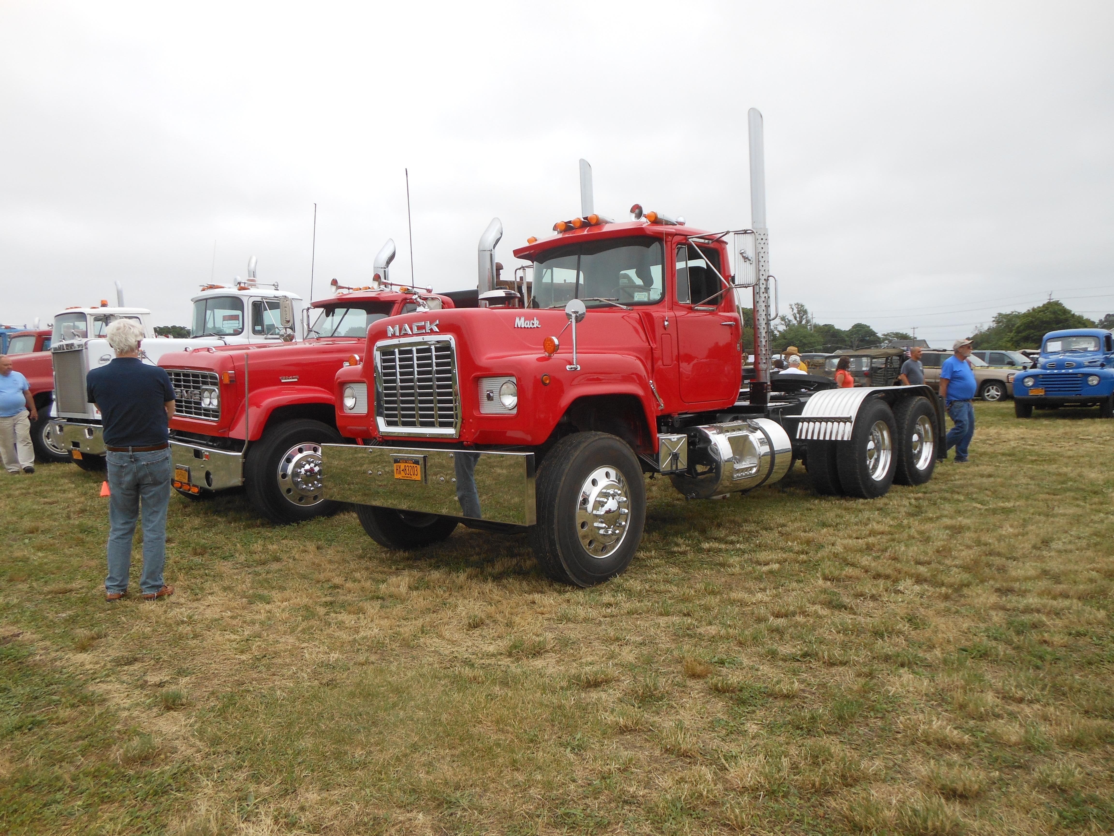 Mack Trucks For Sale >> R700 Mack Trucks For Sale Bigmacktrucks Com