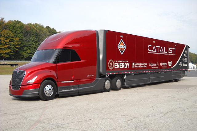 Truck journalist test drive new International LT - Trucking News - BigMackTrucks.com