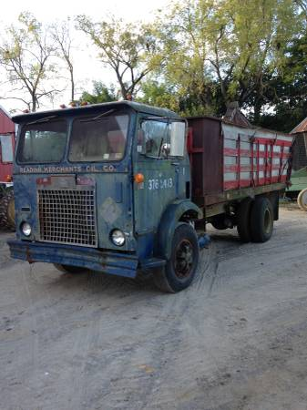 Mack mb white compact diamond reo cabovers antique and classic diamondreocabover1g sciox Image collections
