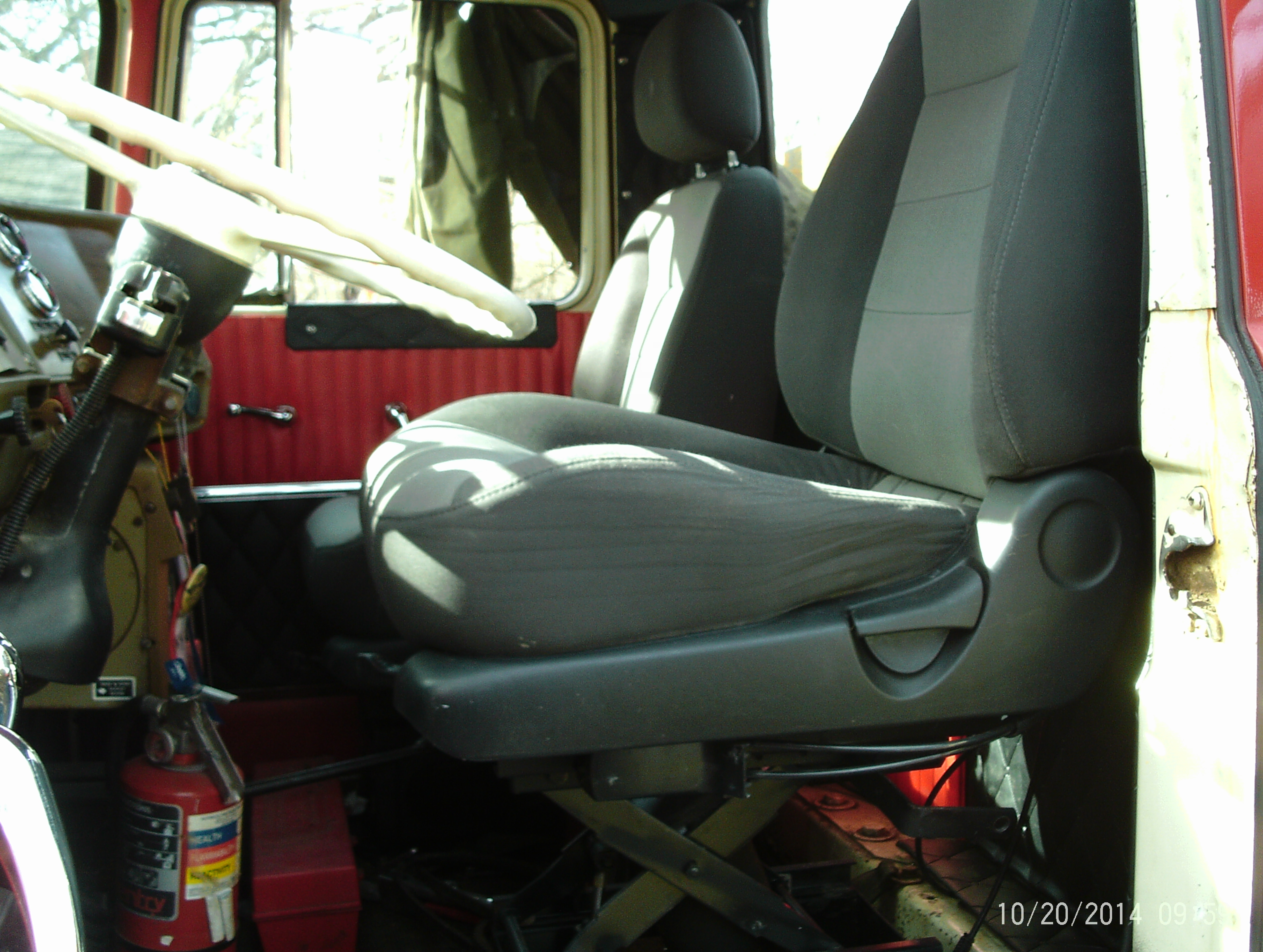 going to buy a new driver's seat - Exterior, Cab
