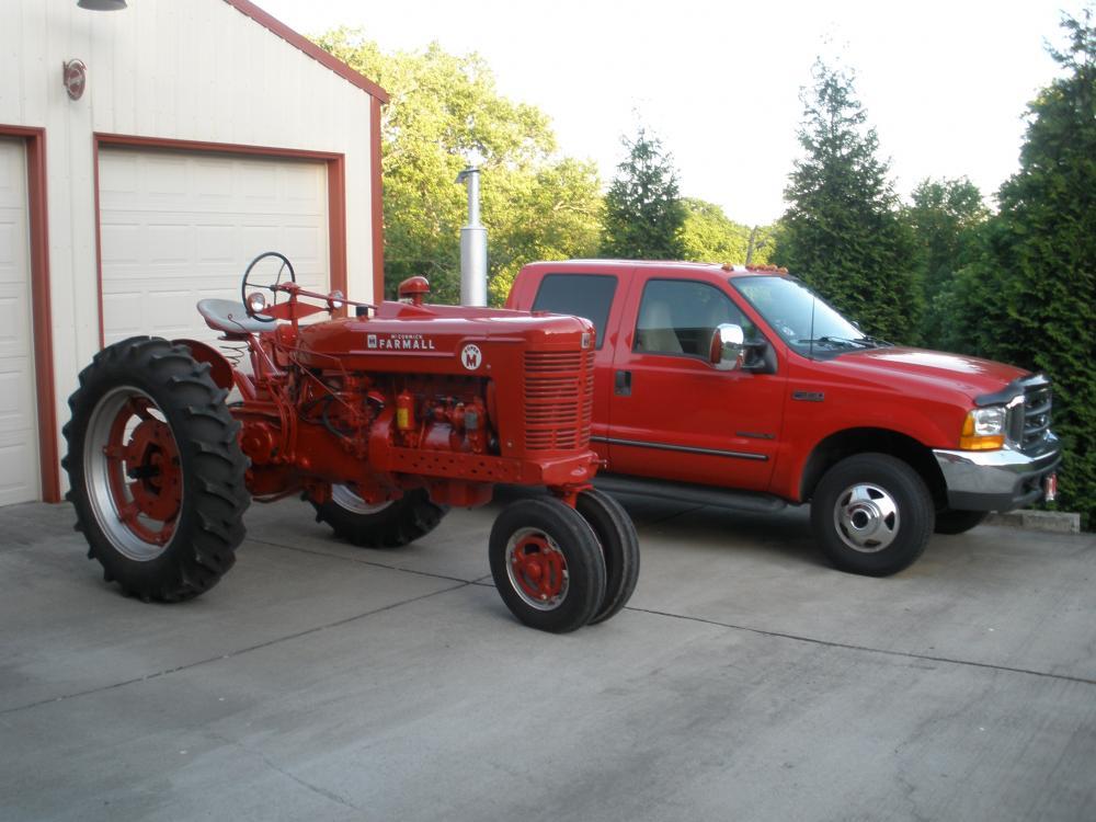 Tractor Club 003.jpg