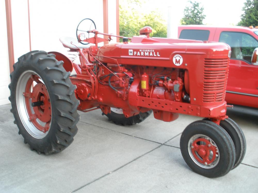 Tractor Club 004.jpg