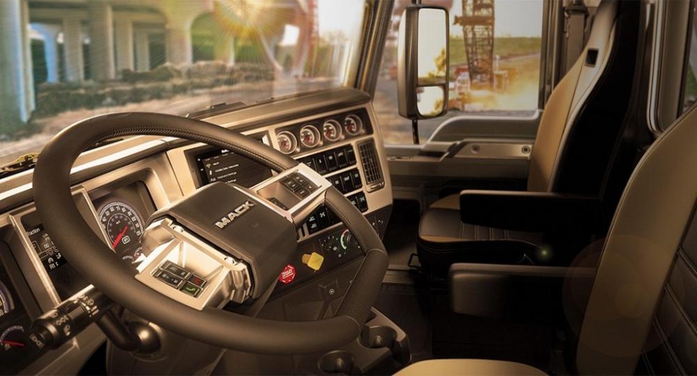 2018-mack-semi-truck-interior-1024x552.jpg