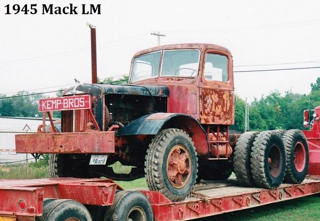 1945 Mack LM  Kemp - BMT.jpg