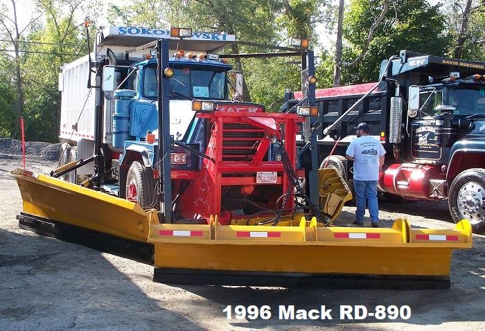 1996 Mack RD-890.JPG