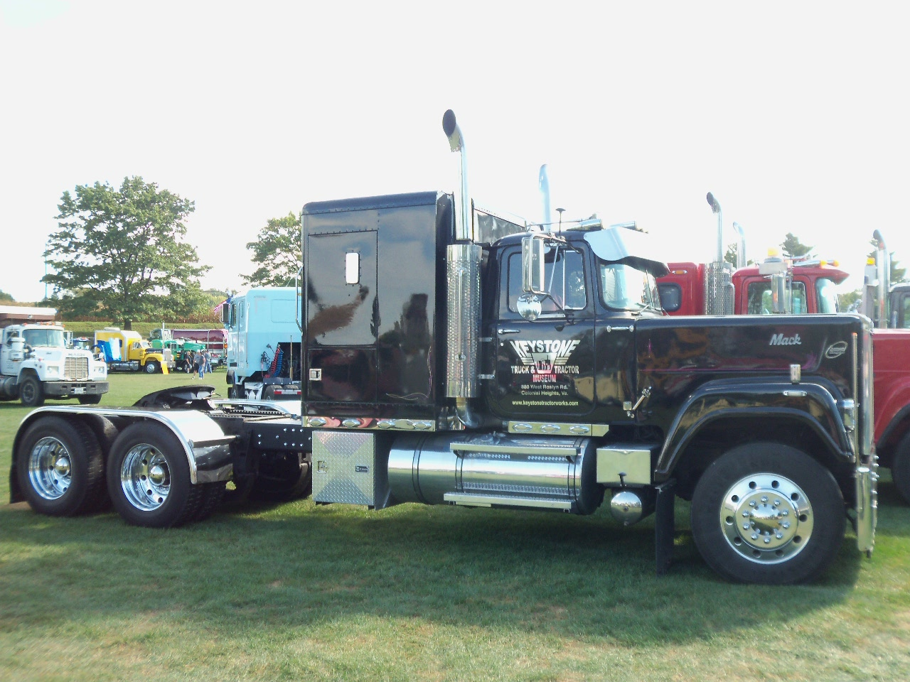 Big Mack Trucks : Some superliner pics page antique and classic mack