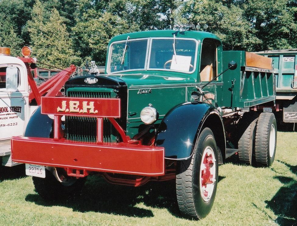 1941 Mack FT.jpg