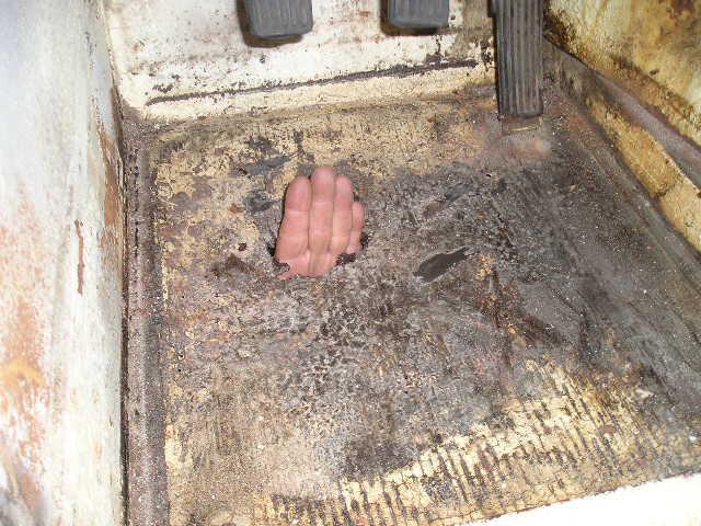 AH-Sprite-1961-Rusted-Floor.JPG.69fb5c211929b435b890ea67624988f3.JPG