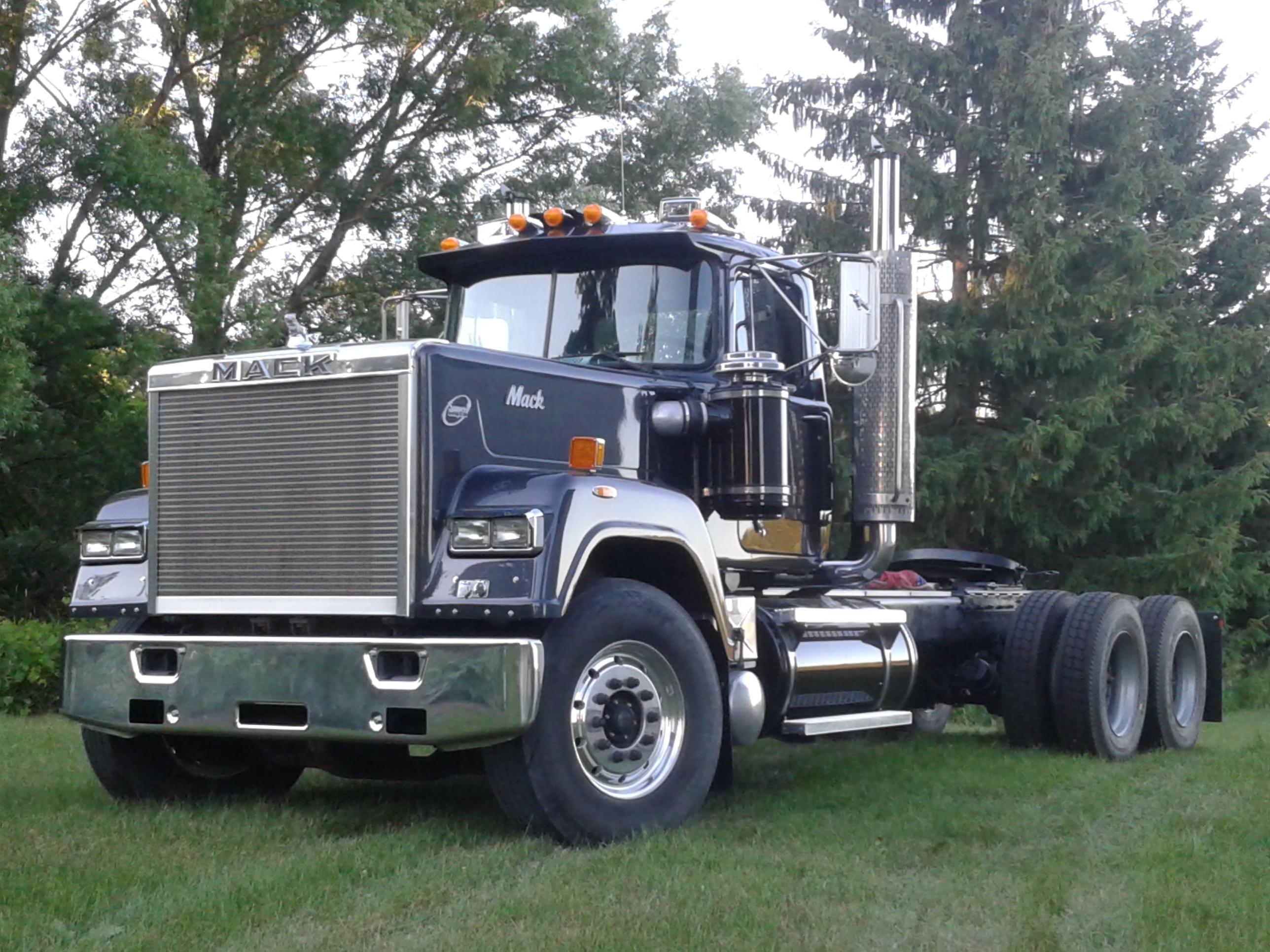 Trucks For Sale: 1990 MACK SUPERLINER RW713 FOR SALE