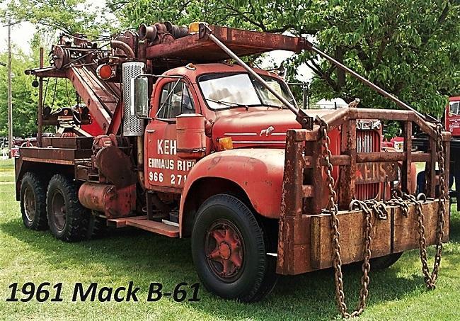1961 Mack B61 - Copy (2).JPG
