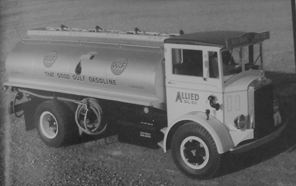 1934 Mack CH (2).JPG
