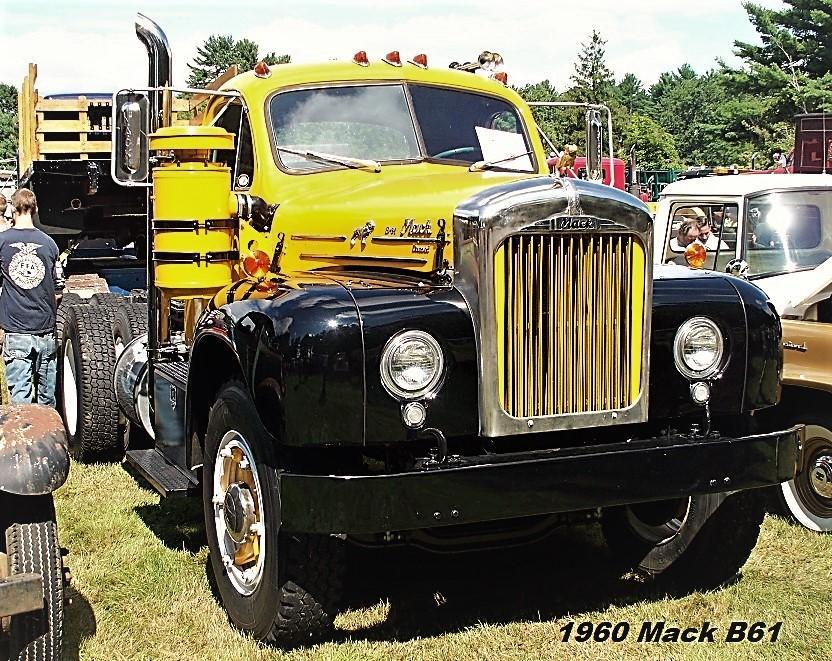 1960 B-61 tractor (2).JPG