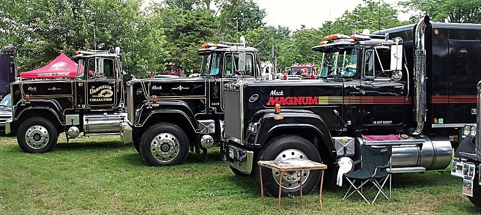 87, 88, 85 Superliner (2).JPG