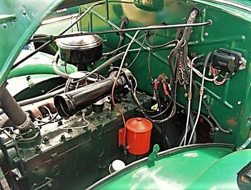 1947 Mack EE Engine (2).jpg