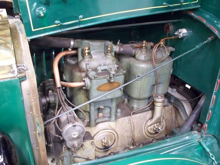1923 Mack AB Engine - Copy.JPG