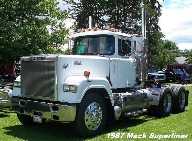 1987 Mack Superliner E9 - Copy.JPG