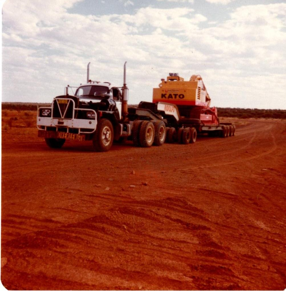 B85 Ridolfo Rodgers Low Loader Mt Magnet shift Western Australia