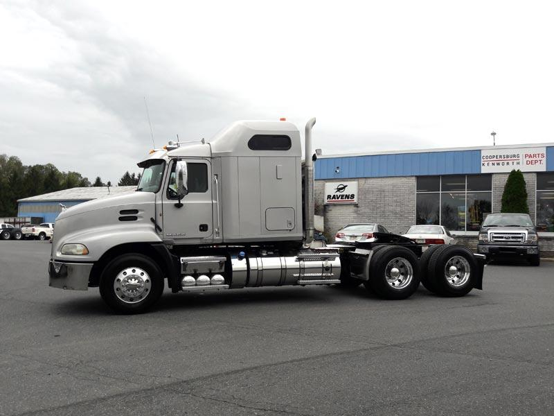 used-cxu-sleeper-truck.jpg