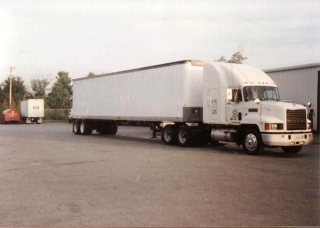 1991 Mack CH613.jpg