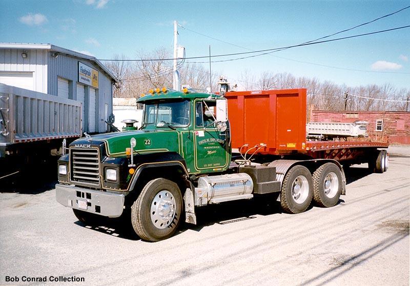 diplacido_trucking_mack.jpg