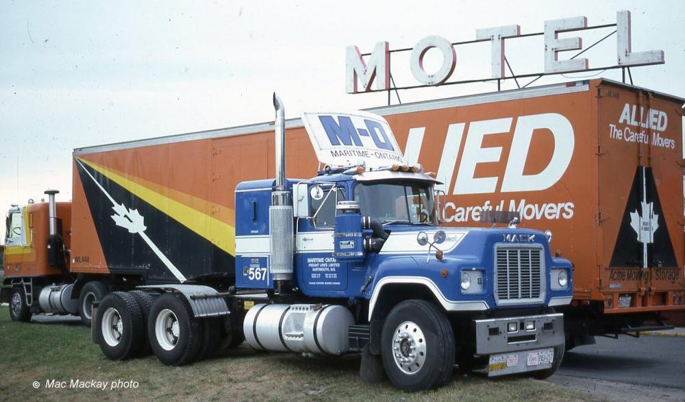 8439 Mack MO 567.jpg