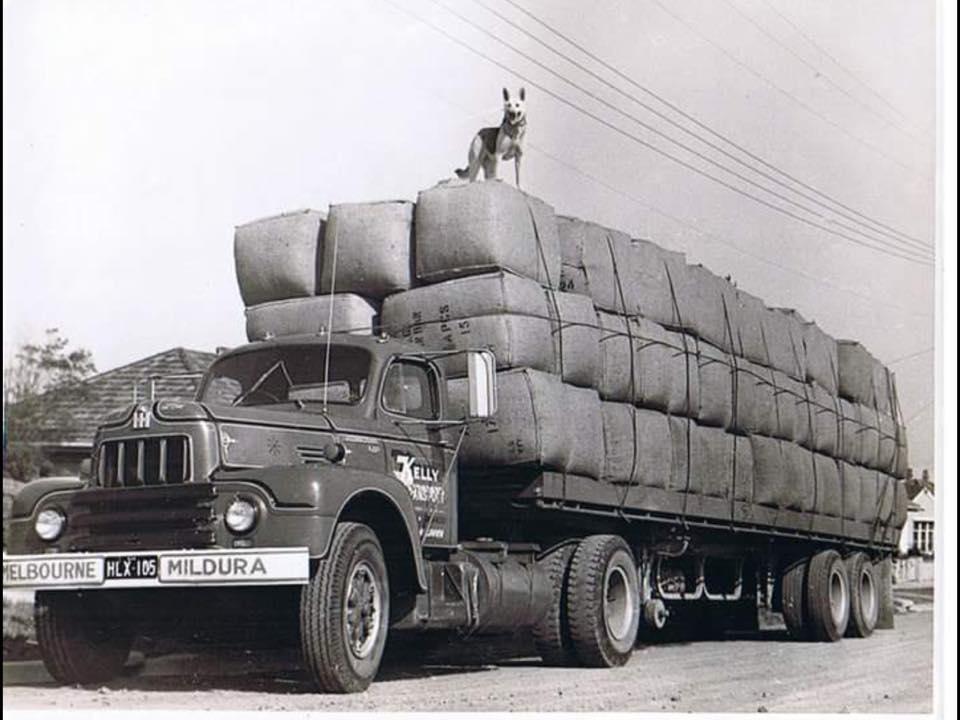 Kelly Transport Mildura R200 with Aussie cab.jpg